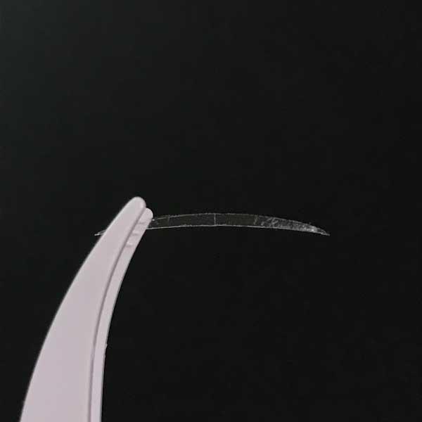 セリアの「秘かに二重!極細両面二重テープ」のテープ